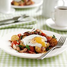 Weight Watchers Breakfast hash with poached eggs - 4 pro points