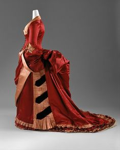 Evening dress - Evening dress Date: 1884–86 Culture: American or European Medium: silk Dimensions: [no dimensions available]