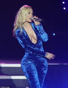 Let's Check Out Iggy Azalea's New Boob Job While She Wears This Awesome Unzipped Velvet JumpSuit Iggy Azalea, Pvc Trousers, Rapper, Velvet Jumpsuit, Fashion Night, Gothic Fashion, Concert, Night Out, Bodycon Dress