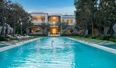 What home is complete without swans? http://blog.homes.com/2013/01/the-most-expensive-homes-for-sale/#