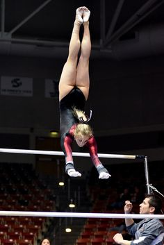 Gymnastics Posters, Gymnastics Team, Gymnastics Photography, Gymnastics Pictures, Artistic Gymnastics, Gymnastics Leotards, Simone Biles, Sports Celebrities, Female Gymnast