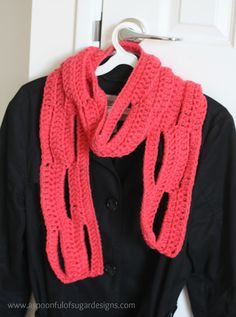 Easy Crochet Scarf {free pattern} | A Spoonful of Sugar
