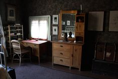 Kuvahaun tulos haulle kansallisromantiikka sisustus Corner Desk, Furniture, Wallpaper, Home Decor, Corner Table, Decoration Home, Room Decor, Wall Papers, Home Furnishings