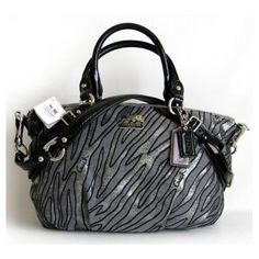 Love this Coach purse!  :O want it!!!!