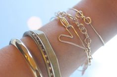 Wire Heart Bracelet | 40 DIY Bracelets You Need to Check Out