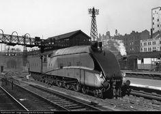 Sunday Streamline #10: LNER W1 Hush-Hush – Dieselpunks