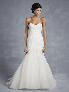 BT15-6 menyasszonyi ruha