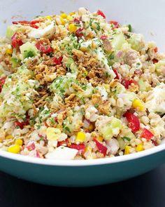 Salade de blé Ceux qui suivent la page Facebook Alinecuisine connaissent mon amour pour les salades estivales! Dès les premiers rayons de soleil, je n'hésite pas à mélanger les saveurs, les épices, et à tester les mariages parfois étonnant. Cette fois-ci,...