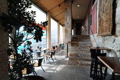 Especial Finais de Tarde: 5 sítios para beber um copo no Porto! #Especial #Finais de #Tarde: #5 #sítios para #beber um #copo no #Porto   #verão #aproveitar #sol #final #tarde #celebrar #copo #vinho #jardins #terraços #esplanadas #cobertas de #espreguiçadeiras #afterwork #CasaAgrícola #espaços da #cidade #revela #excelente #surpresa #casa #típica #Porto #rural #séculoXVIII #preservada #Boavista #restaurante #bar #espaçoso #sofisticado #ambiente #acolhedor #marcado #memórias #antigamente