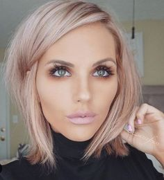 How i want my hair: rose gold low lights blonde hair, hair inspiration, Gold Blonde Hair, Rose Gold Short Hair, Rose Gold Toner Hair, Grey Blonde, Champagne Blonde Hair, Blonde Bobs, Pink Champagne Hair Color, Blonde Pink Balayage, Blonde Hairstyles