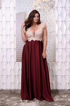 Trajes Femininos - Plus Size - Plus Size Gowns, Wedding Dresses Plus Size, Plus Size Wedding, Gala Dresses, Evening Dresses, Formal Dresses, Pretty Dresses, Beautiful Dresses, Plus Size Chic