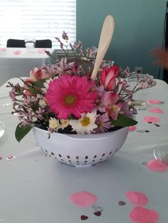 Cute center piece for a bridal shower!