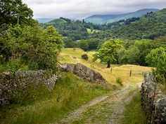 ***Little Langdale countryside (Cumbria, England) by Bob Radlinski cr. Landscape Photos, Landscape Photography, Nature Sauvage, British Countryside, Country Scenes, Cumbria, Derbyshire, Lake District, Beautiful Landscapes