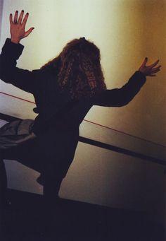 #girl #on the #wall #novè #germany #leipzig #italian #ragazza #italiana #germania #dem #photo #lomography #lomo #smena #symbol #analog #analogica #pellicola #film