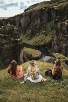 Iceland was the first stop on our first ever Barefoot Blonde Hair trip. For this trip, we would be making stops in three countries: Iceland, France and Italy. Bff Pictures, Best Friend Pictures, Friend Photos, Cute Photos, Three Best Friends, Best Friend Goals, Best Friends Forever, Fantasy Photography, Photography Poses