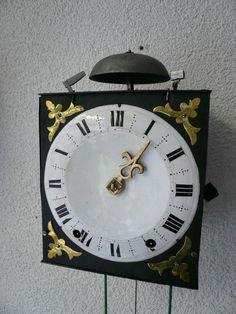 No. 977. Klein Frans wandklokje - Schreurs klokken