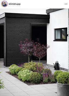 Garden Paving, Terrace Garden, Garden Landscaping, Front Gardens, Outdoor Gardens, Small Gardens, Landscape Design, Garden Design, Lake Garden