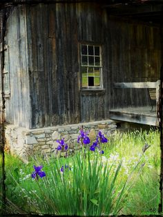 the barn wood is amazing, the colors are endless! THE LAST DOOR... DOWN THE HALL