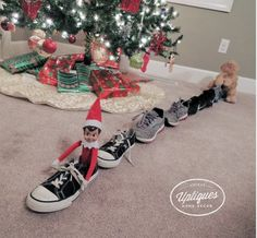 elf+on+the+shelf,+quick+elf+on+the+shelf+ideas,+easy+elf+on+the+shelf+ideas