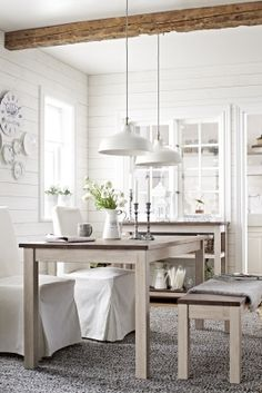 The newest IKEA special collection KEJSARKRONA adds a touch of natural wood, natural fabrics and country style to your dining room. But hurry, it won't last long!