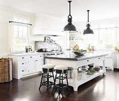 cottage home tour (LOVE this kitchen!)