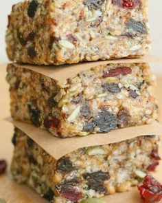 Fuel to Go Homemade Protein Bars - loaded with chia hemp pumpkin and sunflower seeds together with dried fruit. Fuel to Go Homemade Protein Bars - loaded with chia hemp pumpkin and sunflower seeds together with dried fruit. Paleo Protein Bars, Protein Bar Recipes, Healthy Bars, Healthy Treats, Snack Recipes, Healthy Eating, Cooking Recipes, Homemade Protein Bars, Stay Healthy