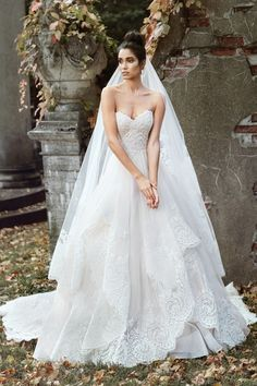Justin Alexander - 9868 | Best designer wedding dresses - Jaehee Bridal Atelier #ballgown #sweetheart #strapless #bridal #weddingdress
