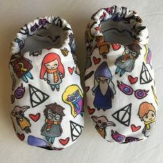 Harry Potter baby shoes, Harry Potter inspired baby booties, crib shoes, soft sole shoes, newborn shoes, baby girl shoes,baby boy shoes by cadyandjax on Etsy https://www.etsy.com/ca/listing/258043849/harry-potter-baby-shoes-harry-potter