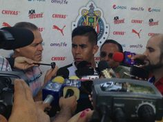 NÉSTOR CALDERÓN ACEPTA CRÍTICAS POR MOMENTO DE CHIVAS El mediocampista habla tras tres derrotas consecutivas del equipo tapatío. Señala que la crítica les ayudará a ''enmendar el camino''.