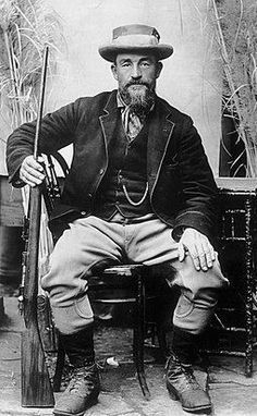 The father of modern guerilla warfare as we know it. With his small groups of Commandos on horseback, he made lightning strikes against the English before retreating again War Photography, Head Of State, Anglo Saxon, Modern Warfare, British Army, African History, World History, Military History, Old Pictures