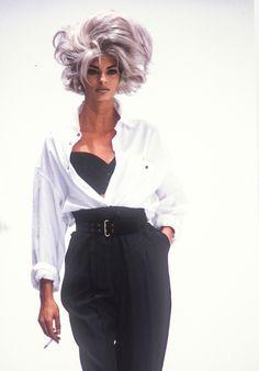 Linda evangelista / d&g runway show f/w 1991 90s Fashion Grunge, 80s Fashion, World Of Fashion, Trendy Fashion, Fashion Models, Fashion Outfits, Vintage Fashion, Fashion 2020, Runway Fashion