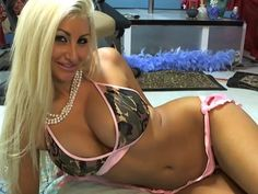 Hot, sultry blonde cam chat girl Blake - beautiful body, big tits, wide hips - come see me on webcam - www.bustyblake.com
