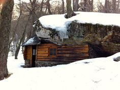 Cabin in San Carlos de Bariloche, Argentina.Contributed by Andrew Koester. Log Cabin Kits, Log Cabins, Cabin Ideas, Winter Cabin, Christmas Room, Country Style Homes, Cabins In The Woods, Types Of Houses, Architecture