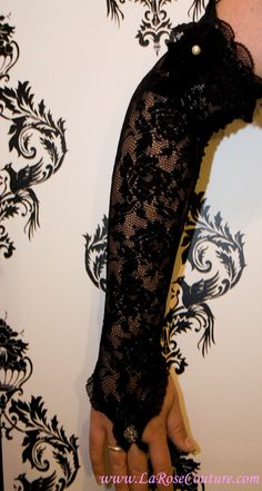 REALLY want black lacey gloves