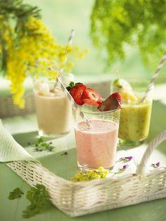 Platos de primavera: saludables y llenos de color · ElMueble.com · Especiales Smoothie Fruit, Fruit Juice, Smoothies, Malt Beer, Horchata, Nutrition, Ground Almonds, Beverages, Drinks