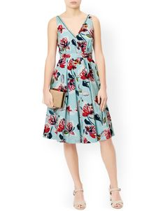 Ladylike and elegant, our pure cotton Marie dress is printed with pretty blooms, and embellished with beads on the v-shaped neckline. Pin-tuck pleats and a detachable sash add further definition to the waist, while the softly-gathered skirt flares out to create a form-flattering silhouette. This piece is fully lined for a smooth fit, and features a concealed zip fastening on the reverse. Model wears UK 8/UK S/EU 36/US 4. Model height is 175 cm/5'9.