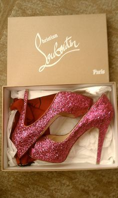 Oh my goodness...my heart just skipped a beat! Pink, sparkly, high heels...what could be more perfect?!?