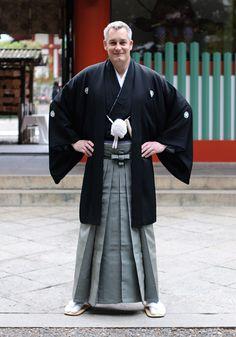 I love the male kimono!