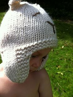 sleepy polar bear hat (free pattern)