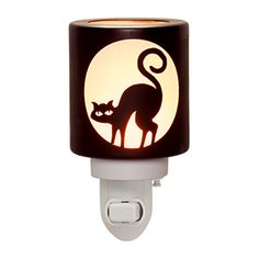SUPERSTITION BLACK CAT SCENTSY NIGHTLIGHT - NEW 2016 HARVEST COLLECTION! Perfect for Halloween! Scentsy brings us the Silhouette of a Black Cat in a Nightlight Warmer. From the Scentsy Harvest 2016 Collection, On Sale September 1, 2016 while supplies last…