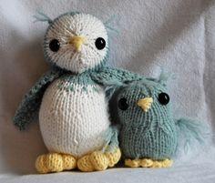 HandKnit Owl and Baby Stuffed Toys por Hipknittist en Etsy