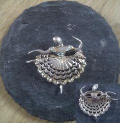 CUDOWNIK : Vintage ballerina brooch
