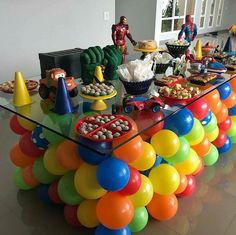 Love the balloon table for a children's party. Balloon Decorations, Birthday Party Decorations, Birthday Parties, Avengers Party Decorations, Birthday Ideas, Deco Ballon, Superhero Party, Baby Party, Childrens Party