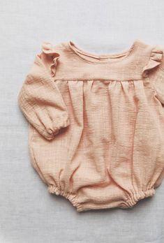 {beautiful sewing Beginner Sewing Patterns, Sewing Patterns For Kids, Sewing For Beginners, Sewing For Kids, Baby Patterns, Bohemian Girls, Vintage Bohemian, Baby Bibs, Boho Shorts