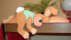 Lapin endormi. Easter Craft Activities, Easter Crafts, Crafts For Kids, Arts And Crafts, Easter Bunny, Easter Eggs, About Easter, Spring Crafts, Painting On Wood