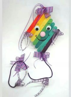 40 Creative Popsicle Stick Crafts For Kids,Popsicle sticks are one of those craft items which you can always find in your craft stash. They are so inexpensive, fun and provide endless options f. Kids Crafts, Crafts For Teens To Make, Summer Crafts, Toddler Crafts, Preschool Crafts, Art For Kids, Diy And Crafts, Arts And Crafts, Kites For Kids