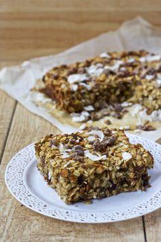Pineapple Pistachio Baked Oatmeal with Dates & Coconut | Healthy Helper @Healthy_Helper