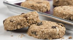 An easy and delicious protein-packed cookie. Make ahead and freeze, then eat later on the go! This is a Perfectly Balanced Plate Clean Eating Breakfast, Breakfast On The Go, Breakfast Bars, Breakfast Cookies, Free Breakfast, Vegan Breakfast, Brunch Menu, Brunch Recipes, Breakfast Recipes