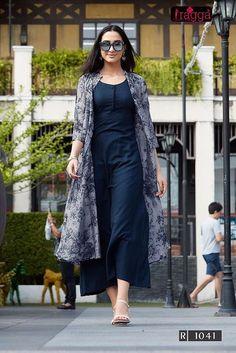 for this Tailer fit designer wear Churidar Designs, Kurta Designs Women, Blouse Designs, Printed Kurti Designs, Kurtha Designs, Dress Designs, Mode Abaya, Mode Hijab, Indian Designer Outfits