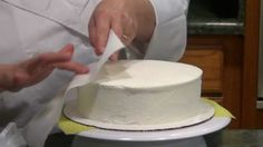 How to Smooth Buttercream Icing on any Cake